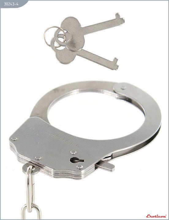 Металлические наручники с красным мехом - фото, отзывы